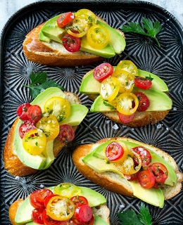 3 avocado crostini